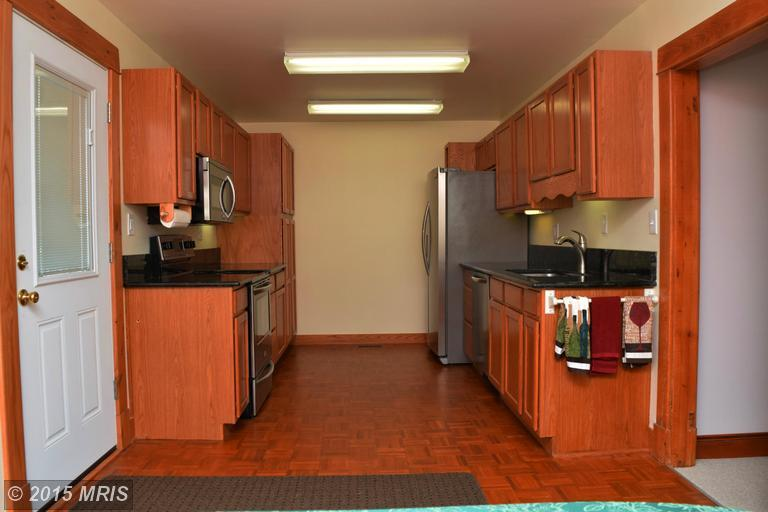 2006 Middleborough Road, Essex, MD, 21221: Photo 8