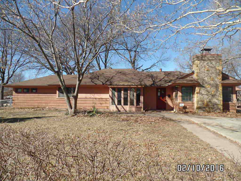 2331 Burnett Rd Sw Topeka Ks 66614 For Sale