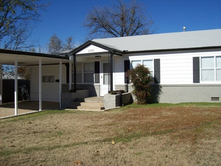 2205 Nw Baltimore Ave Lawton Ok 73505 For Sale