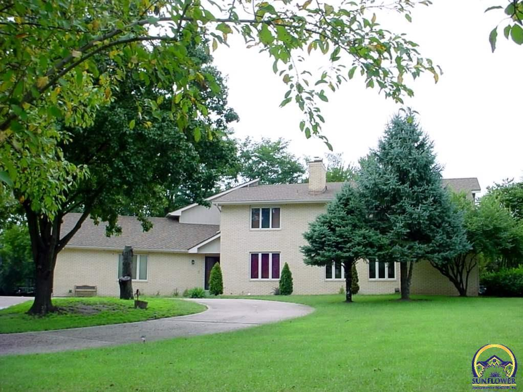 5835 34th ter sw topeka ks for sale 329 000 for Topeka home builders