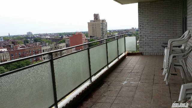 370 Ocean Pky, Brooklyn, NY, 11218 -- Homes For Sale