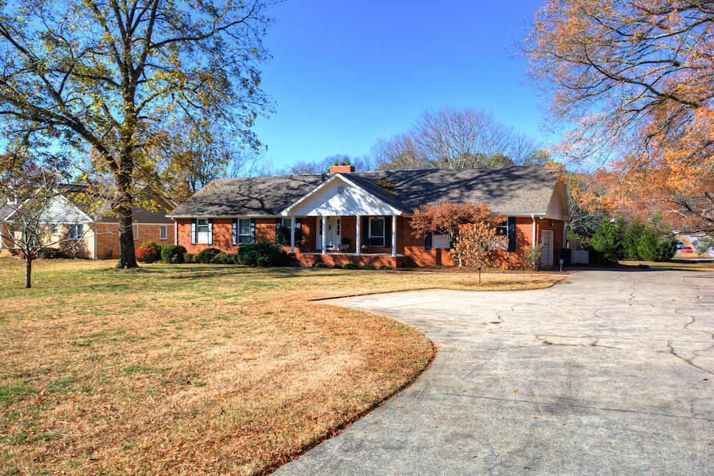 2017 hickory valley rd chattanooga tn for sale 309 900 for Home builders in chattanooga tn