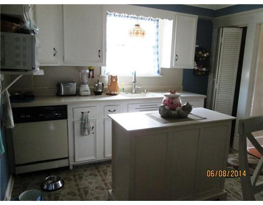 58 S 2nd St, Fords, NJ, 08863 -- Homes For Sale