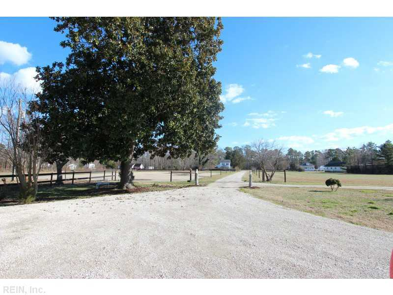 2716 Kings Creek Rd, Hayes, VA, 23072 -- Homes For Sale
