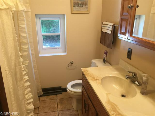 541 Martin Luther King Dr, Newcomerstown, OH, 43832: Photo 6