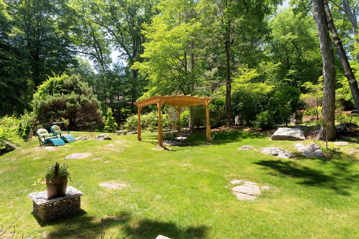 9 Stallion Trail, Greenwich, CT, 06831 -- Homes For Sale