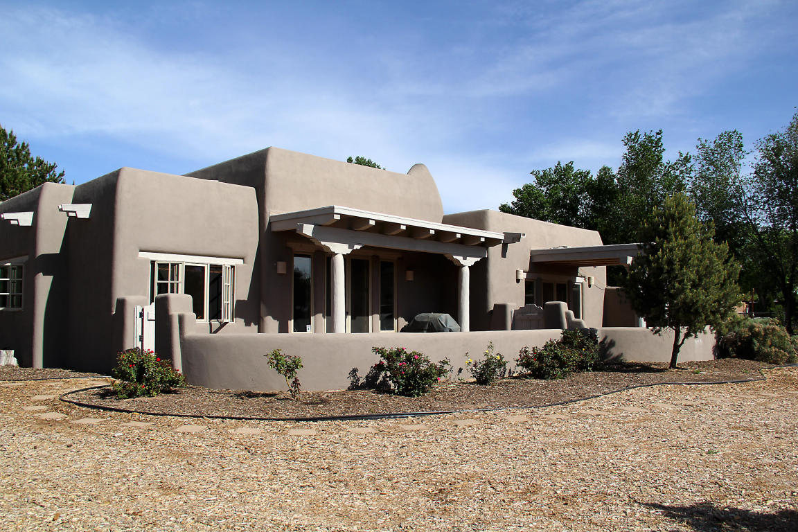 255 Nobles Lane, Corrales, NM, 87048 -- Homes For Sale
