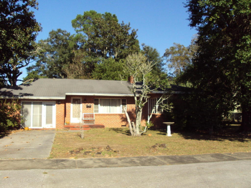 855 n pearl street crestview fl for sale 79 000