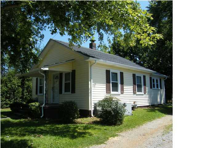 935 Moore St, Athens, TN, 37303 -- Homes For Sale