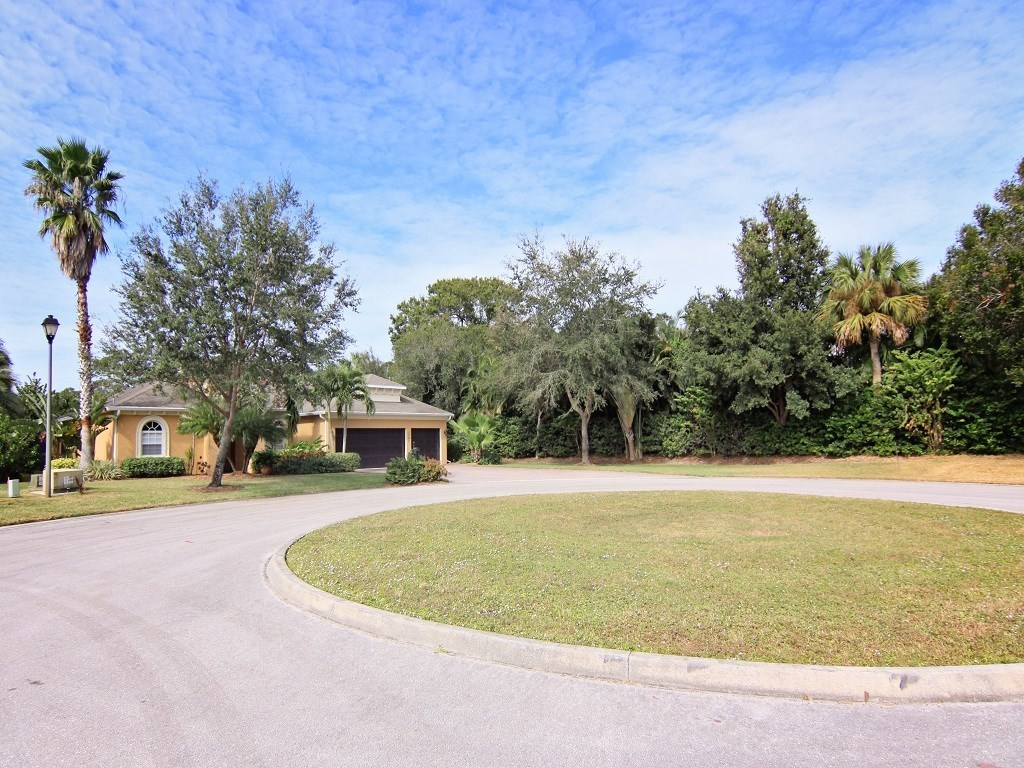 1395 Willow Oak Court Vero Beach FL For Sale 375 000