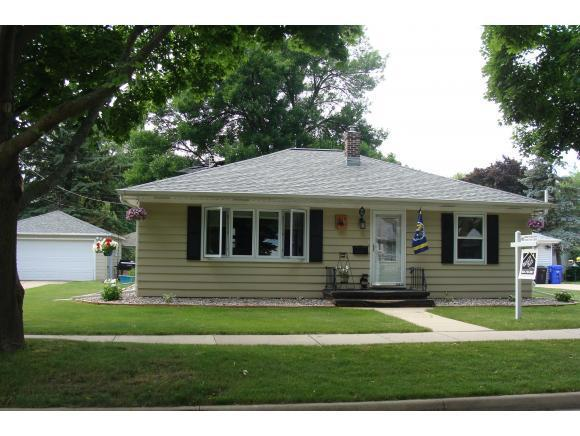 1615 N Gillett, Appleton, WI, 54914: Photo 1