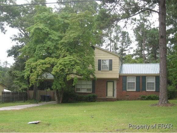 812 E Donaldson Ave, Raeford, NC, 28376: Photo 1