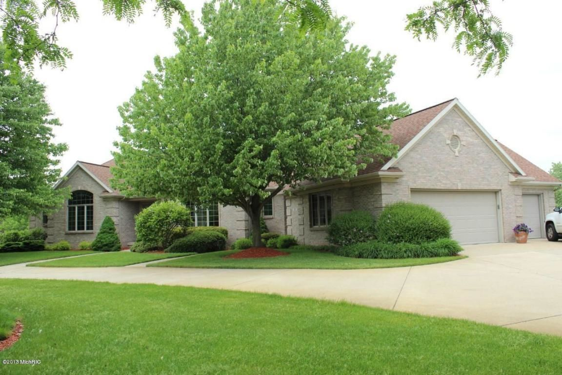 357 Whitestag Court Sw Grandville Mi For Sale 542 900