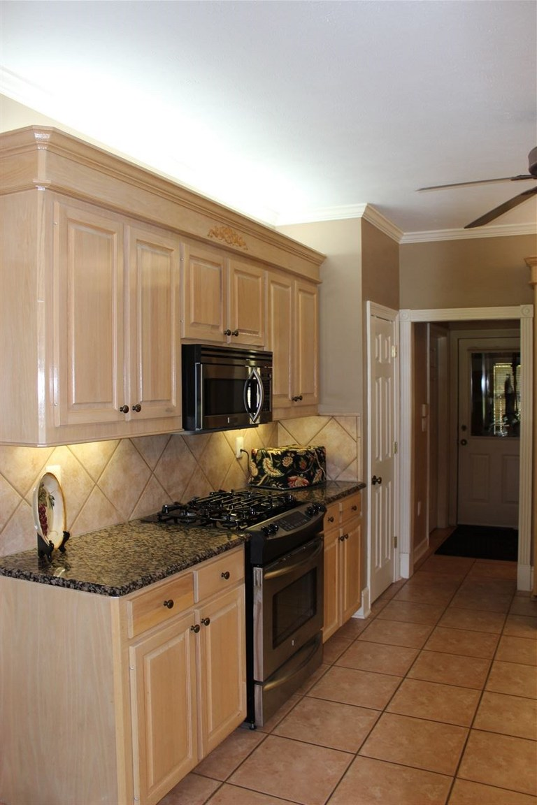 95 Woodlands Green Dr, Brandon, MS, 39047: Photo 9