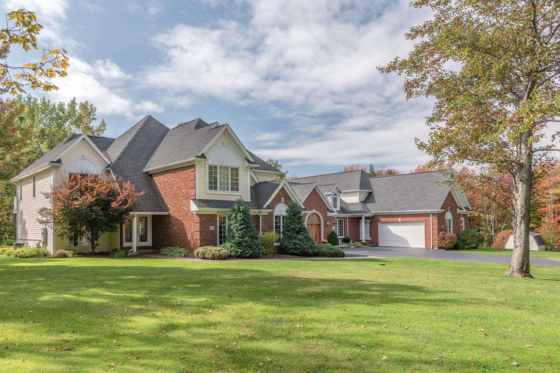 7190 serpentine dr orchard park ny for sale 1 250 000 for Orchard park