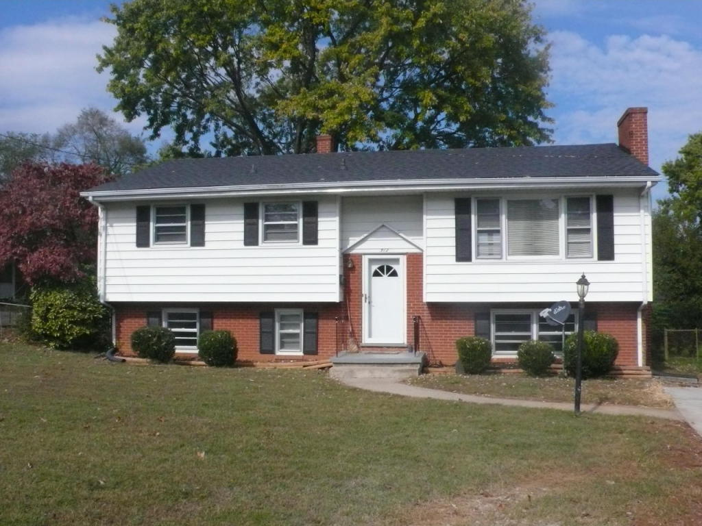 512 wentworth ave ne roanoke va for sale 139 950 for Home builder in roanoke va
