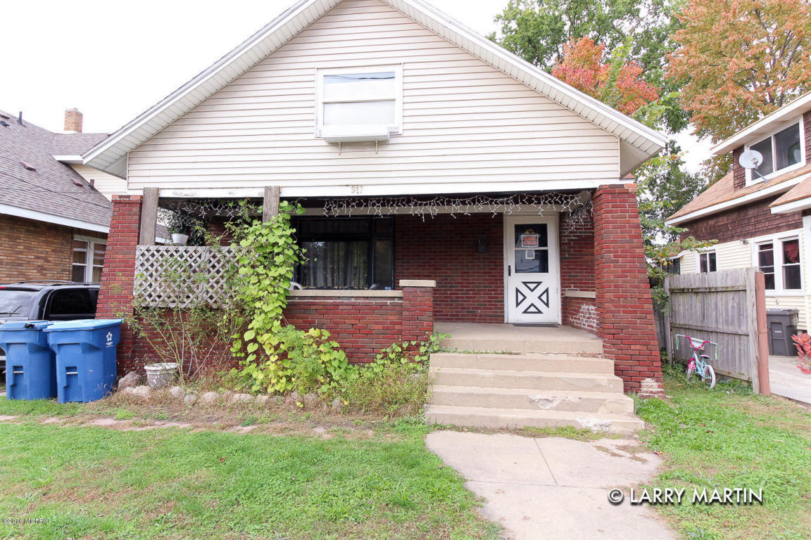 917 Burton Street Sw Wyoming Mi For Sale 75 000