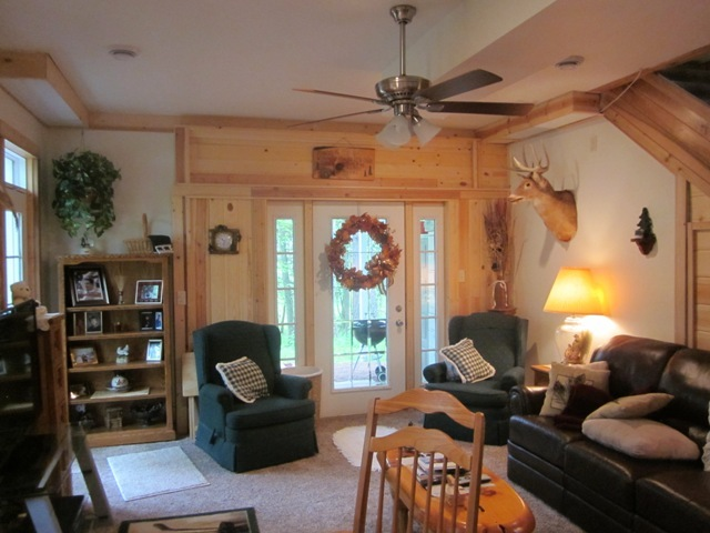 590 Pinery Rd, Hatley, WI, 54440: Photo 4