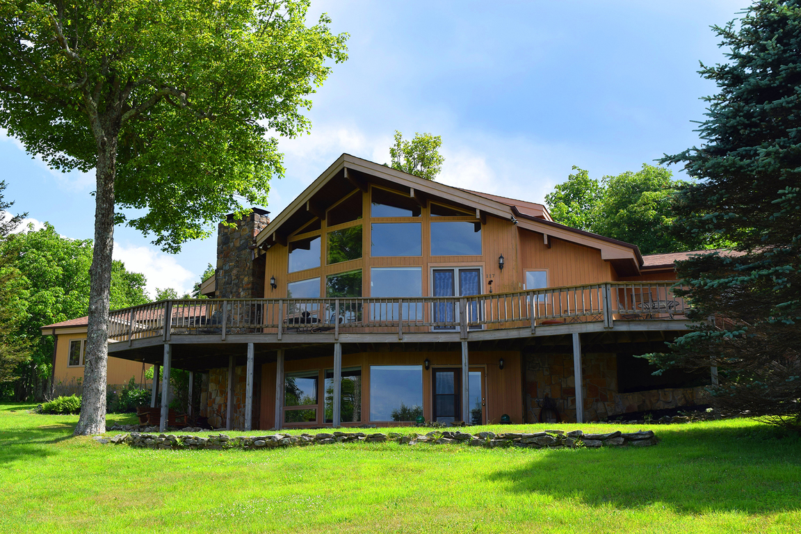 117 larkspur beech mountain nc for sale 599 900 for Banner elk home builders