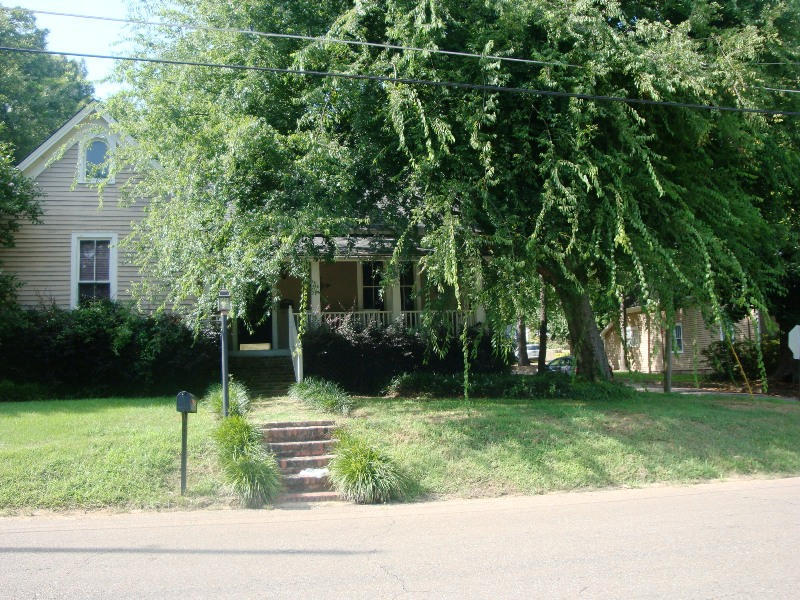 1123 10th Avenue North, Columbus, MS, 39701 -- Homes For Sale