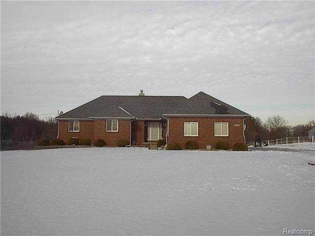 12815 12 Mile Road, South Lyon, MI, 48178 -- Homes For Sale
