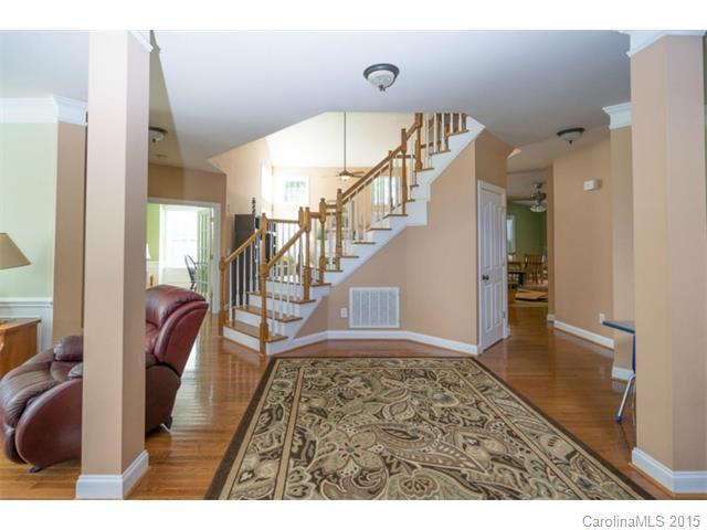 11030 Persimmon Creek Drive, Charlotte, NC, 28227: Photo 2