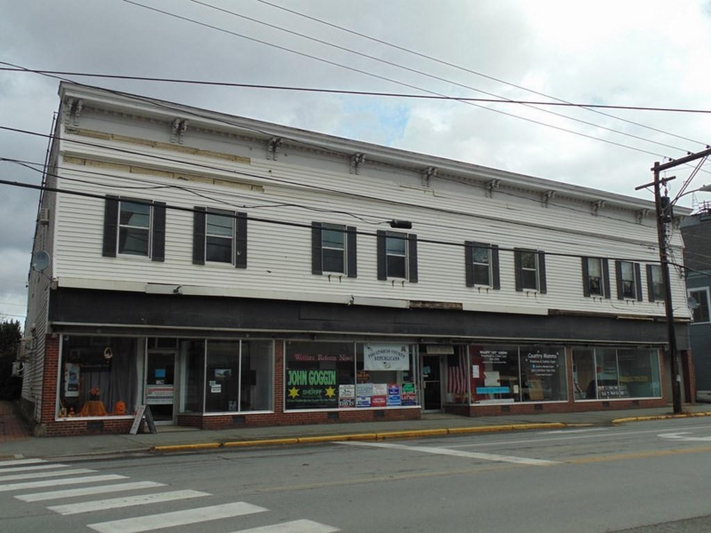 64 east main street dover foxcroft me 04426 for sale