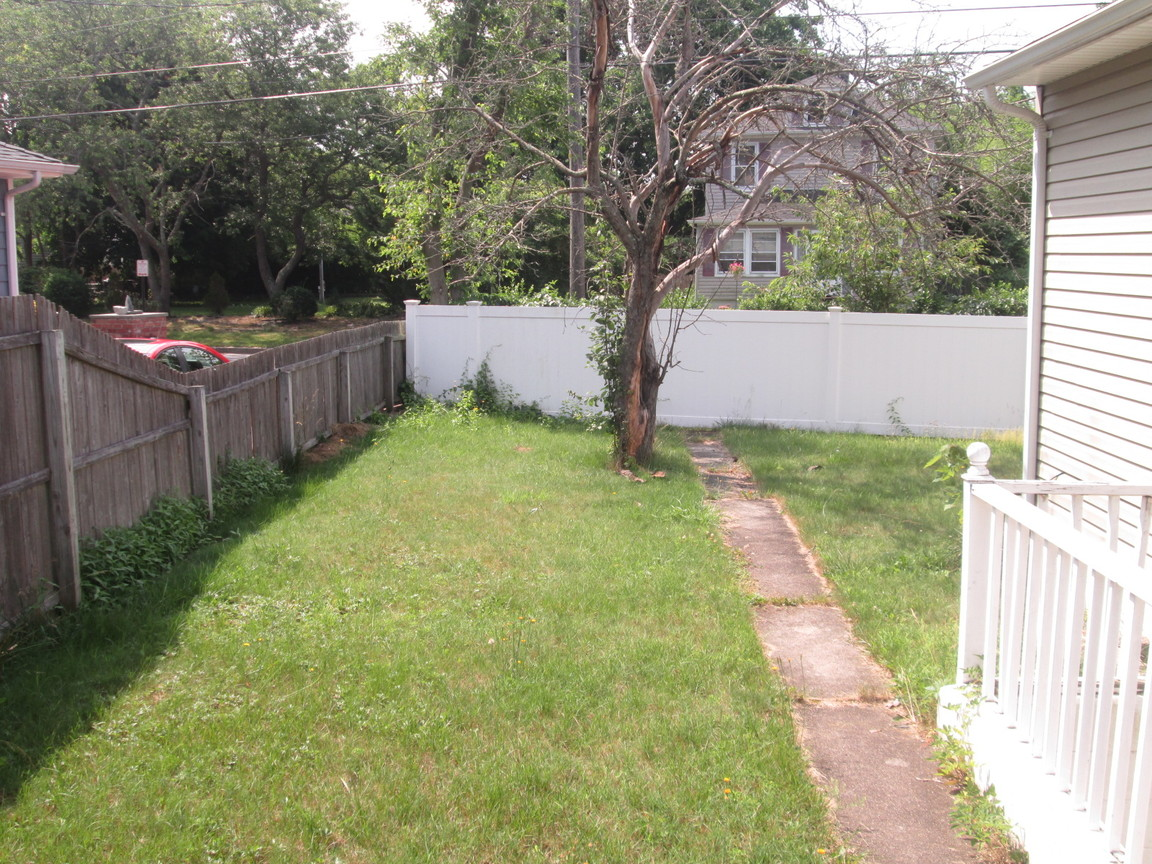 51 Grenville Ave, Patchogue, NY, 11772: Photo 13