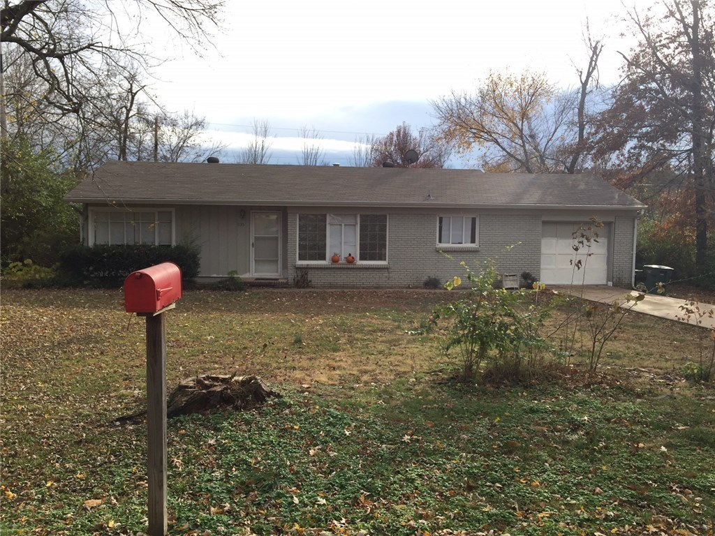 1135 S Maxwell Dr Fayetteville Ar For Sale 138 000