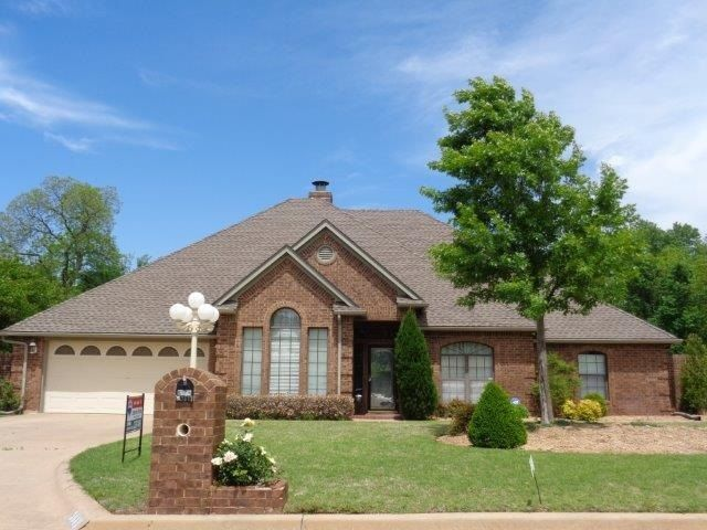 3048 Ne Kingsbriar Ln Lawton Ok For Sale 291 000