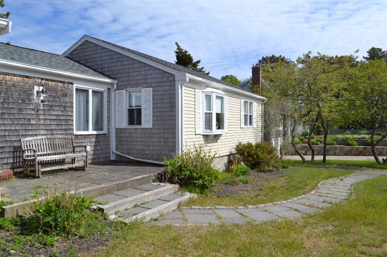 9 Glendoon Rd, Harwich Port, MA, 02646 -- Homes For Sale