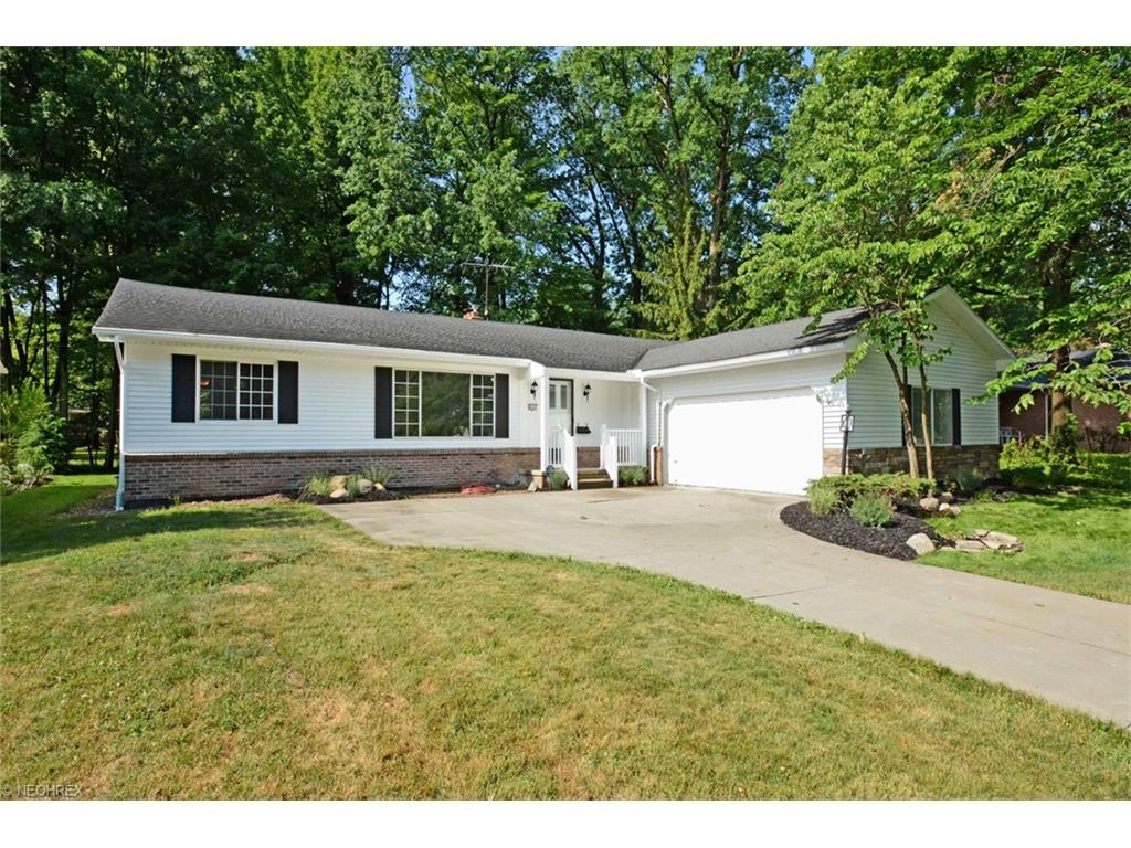 8405 Dogwood Ln Parma Oh 44130 For Sale