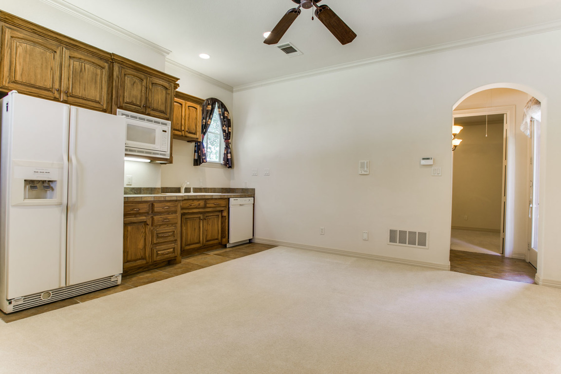 6729 Harbour Town Lane, Fort Worth, TX, 76132: Photo 29