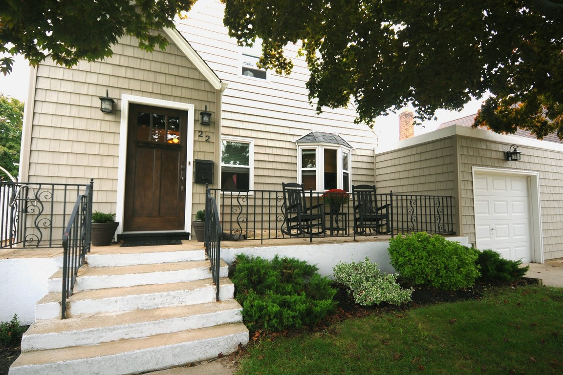 lindenhurst senior singles Incorporated village of lindenhurst  as well as seniors who may want to downsize and rid themselves of the responsibility of single-family home ownership.