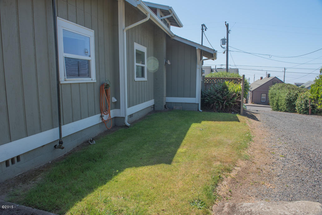 102 Nw High, Newport, OR, 97365: Photo 3