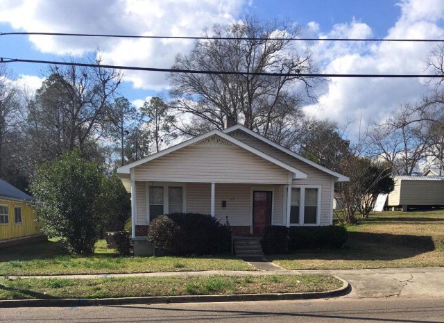 120 south 13th avenue laurel ms for sale 38 500 for Home builders in south mississippi