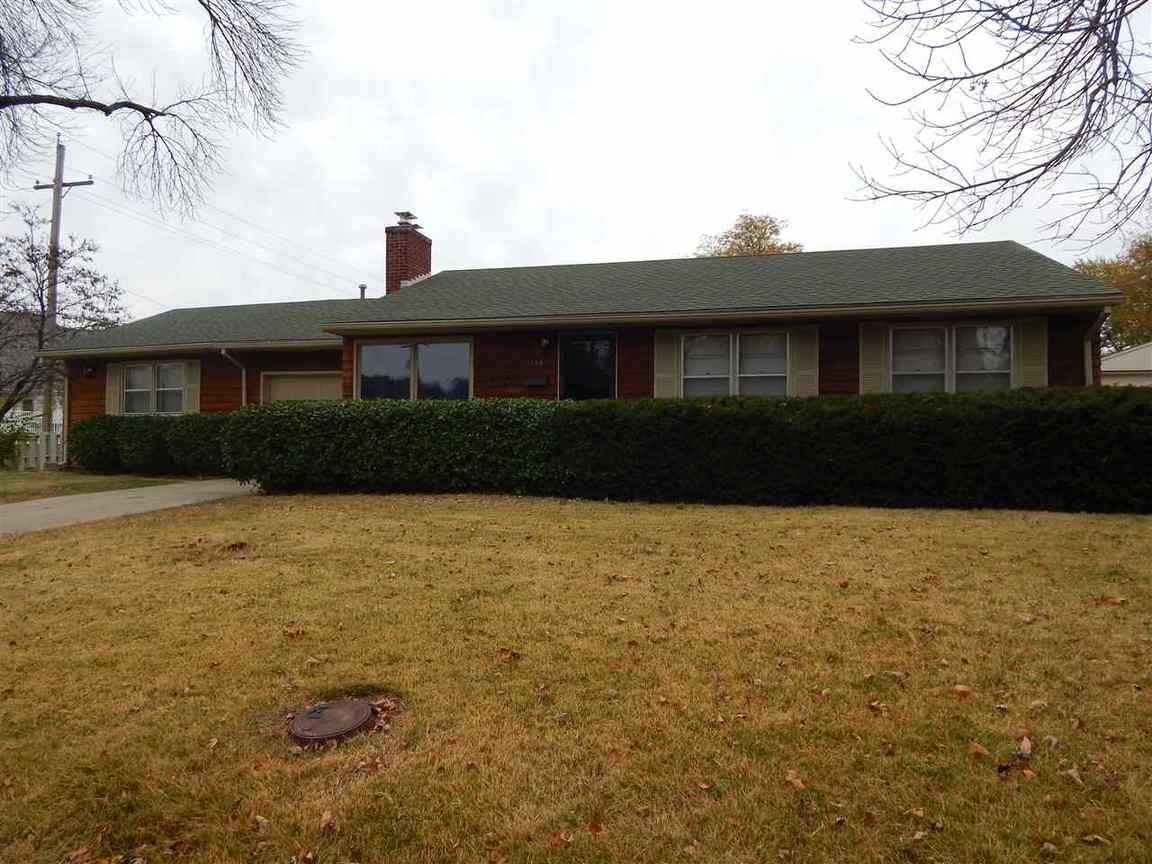 1132 Woodhull St Sw Topeka Ks 66604 For Sale