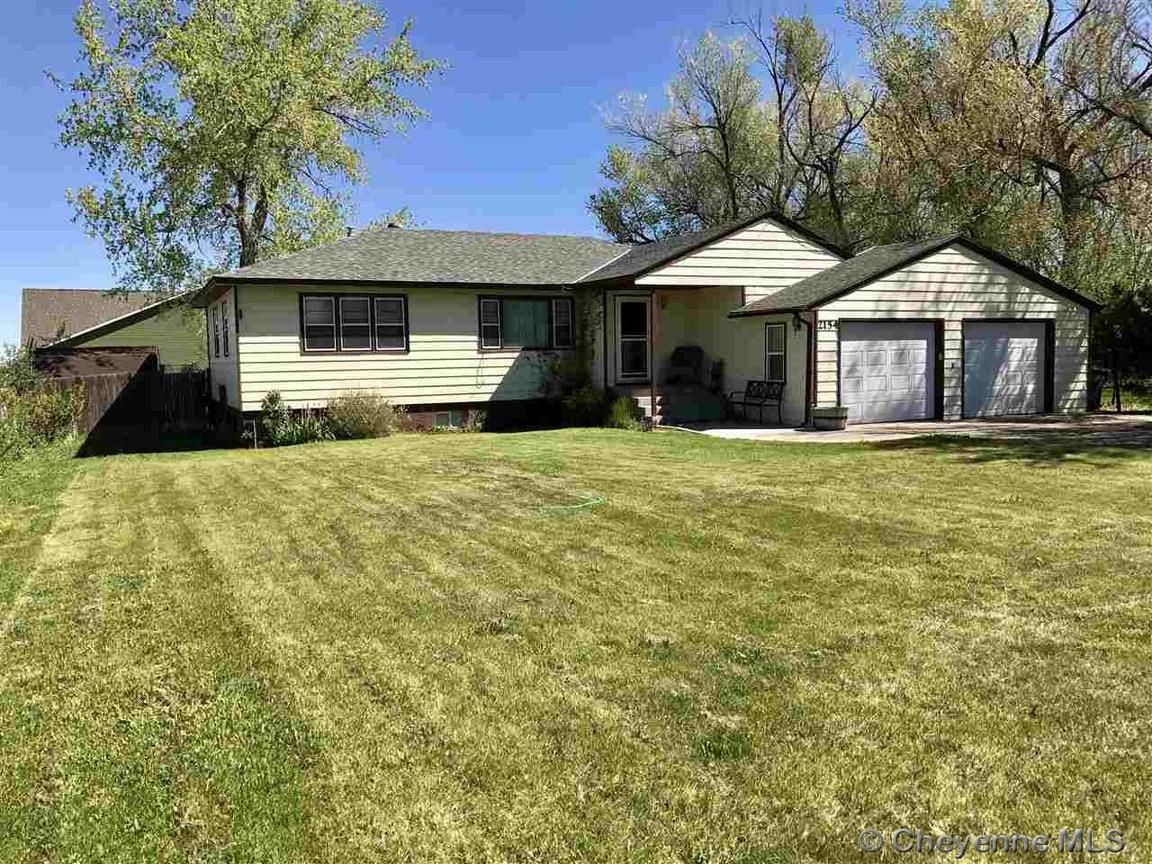 2154 w walnut st wheatland wy for sale 180 000 Wyoming home builders
