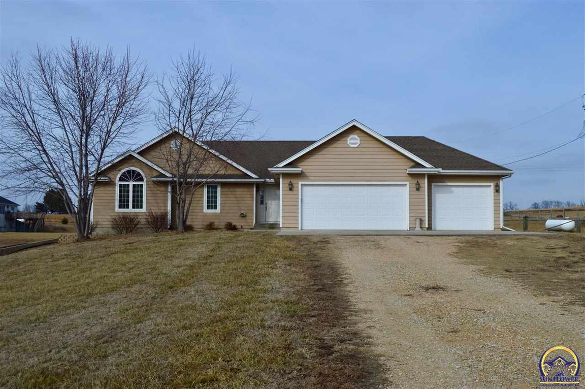 5446 35th St Nw Topeka, KS - For Sale $210,000 | Homes.com