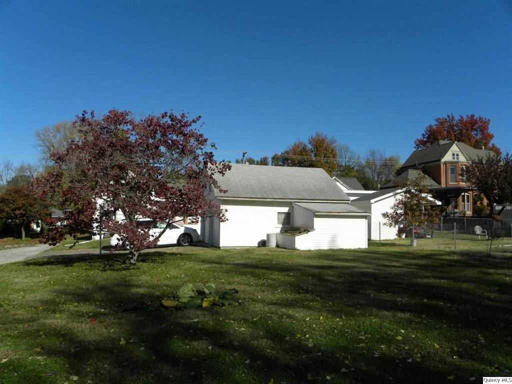 1420 adams quincy il 62301 for sale