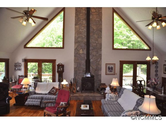 905 Beasley Cove Rd., Hot Springs, NC, 28743 -- Homes For Sale