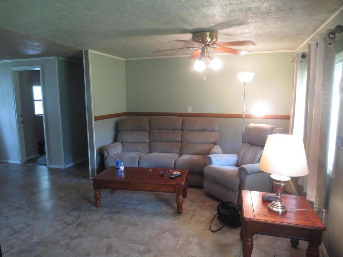 Peachy Silver Springs Fl Homes For Sale Real Estate By Homes Com Beutiful Home Inspiration Ommitmahrainfo