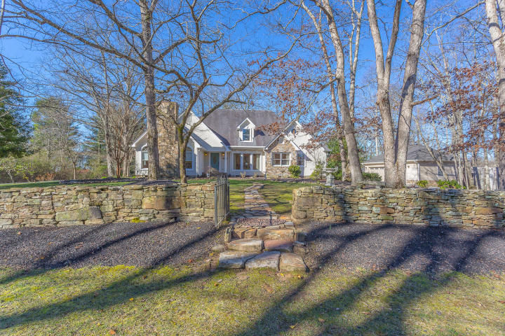 4107 ANDERSON PIKE Signal Mountain TN 37377 id-774528 homes for sale