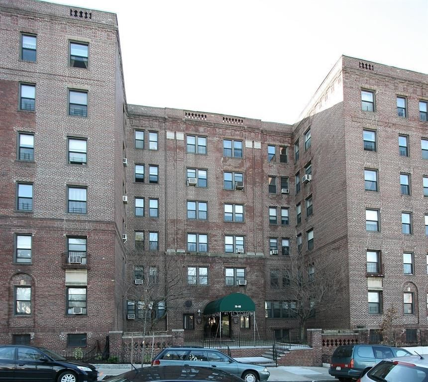 Forest Hills, NY Condos For Sale