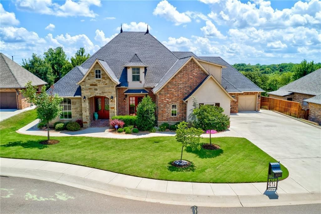 Incredible The Iron Horse Ranch Area Of Edmond Ok Homes Com Home Interior And Landscaping Analalmasignezvosmurscom