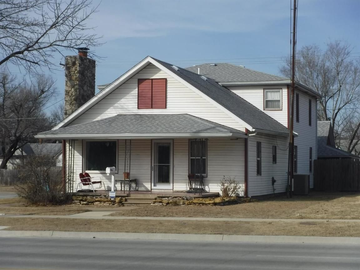 1020 WEST MAIN STREET Independence KS 67301 id-751498 homes for sale