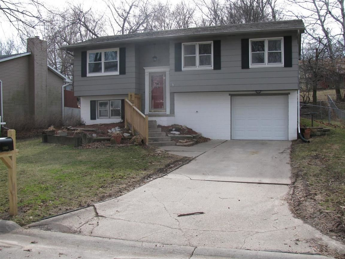 1905 SUNNY SLOPE Red Oak IA 51566 id-750161 homes for sale