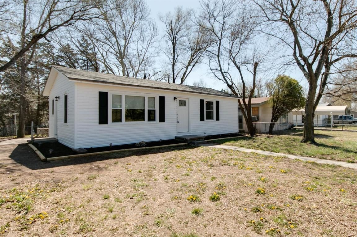 1829 CUSTER ROAD Junction City KS 66441 id-708906 homes for sale