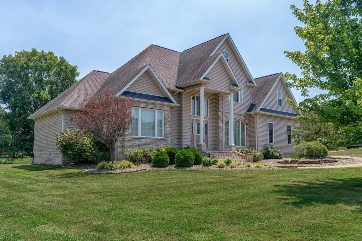 1703 COLONIAL DRIVE Marion IL 62959 id-750218 homes for sale