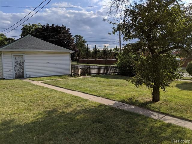 Wyandotte, MI Multi Family Homes For Sale   Real Estate by